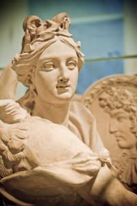 posąg symbolizujący upływ czasu